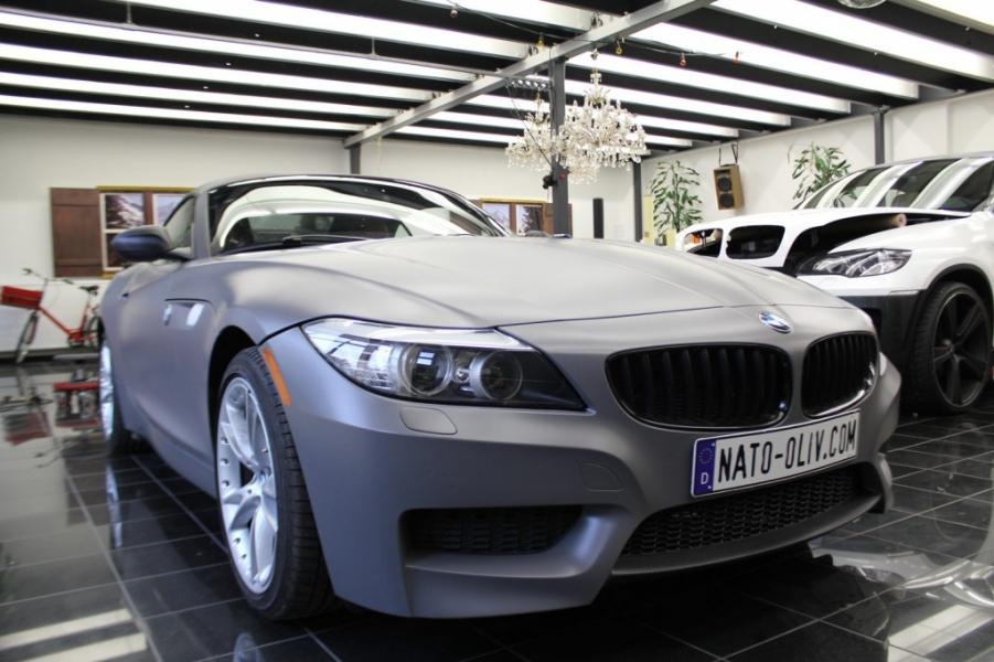 BMW Z4 dunkelgrau seidenmatt Nato Oliv Hamburg