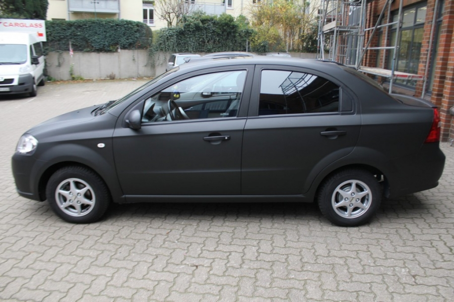 Chevrolet Aveo schwarz matt Car Wrapping Hamburg