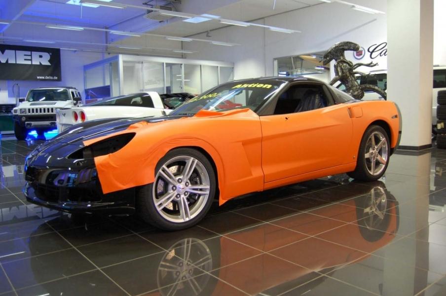 Corvette während Folierung Orange matt Dello Hamburg