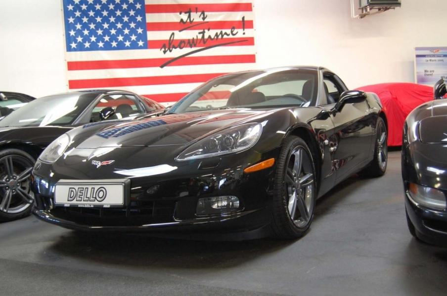 Corvette schwarz vor der Folierung in orange