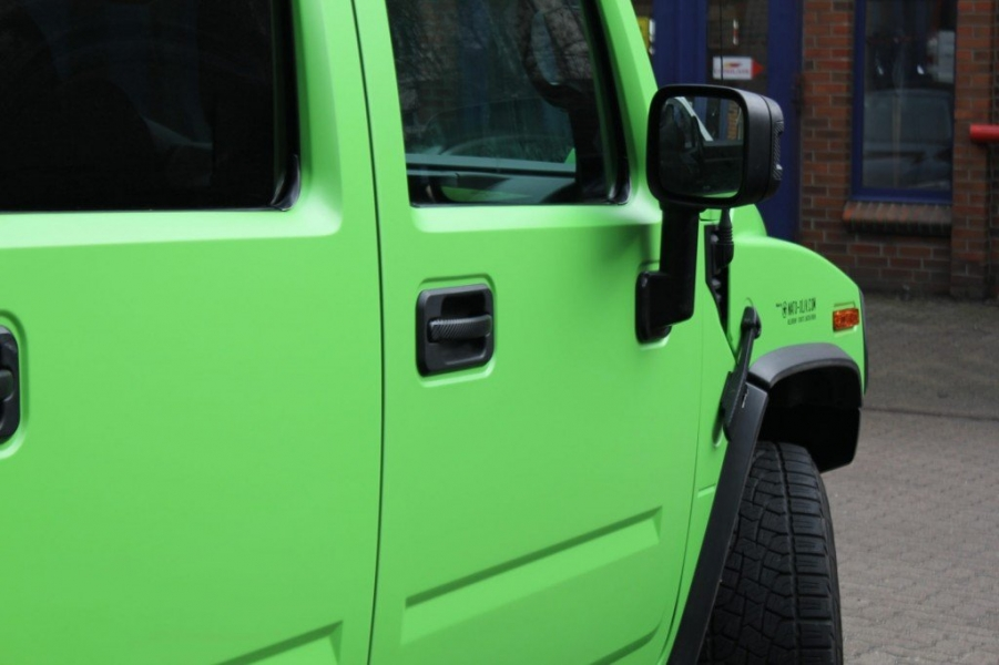 Hummer H2 Folierung acid green Hamburg