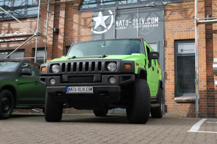 Hummer H2 giftgrün mit Carbon Applikationen Carbonfolie Hamburg