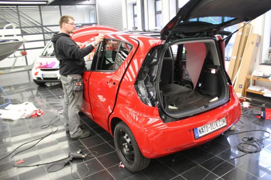 Opal Agila rot glänzend Auto foliert Hamburg
