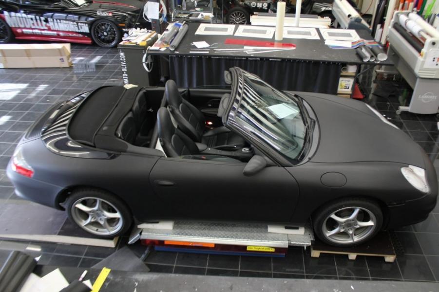 Porsche Cabrio Schwarz matt Halle Folierung Hamburg