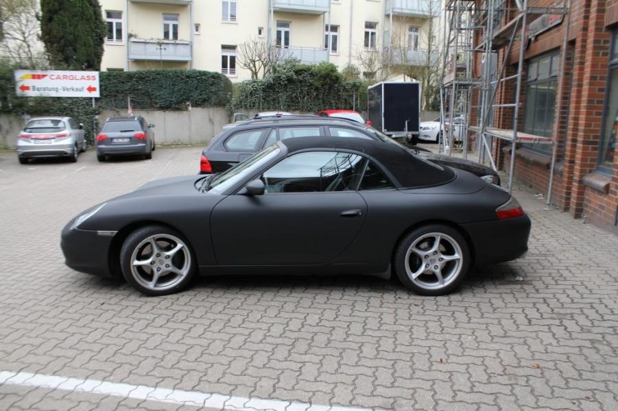 Porsche Cabrio Schwarz matt Nato Oliv Hamburg