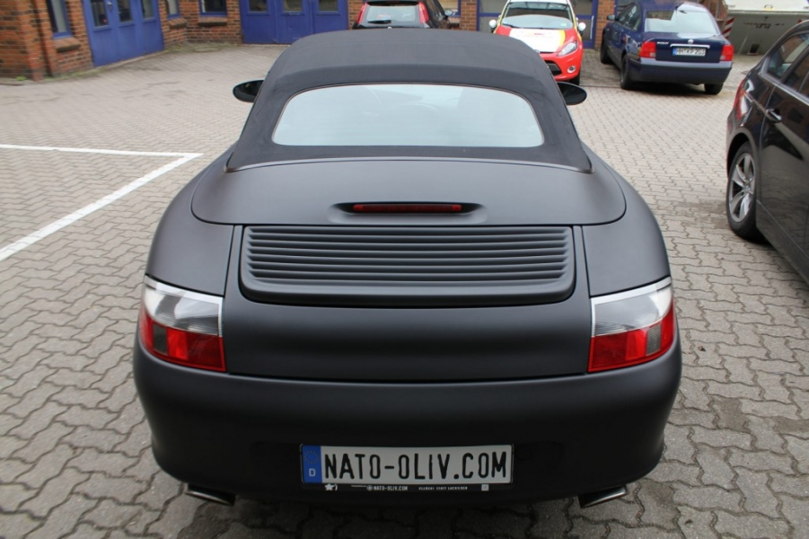 Porsche Cabrio Schwarz ultramatt Fahrzeugfolierung Hamburg