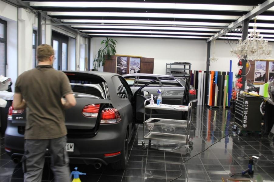 VW Golf GTI schwarz matt Premium Folierung Hamburg